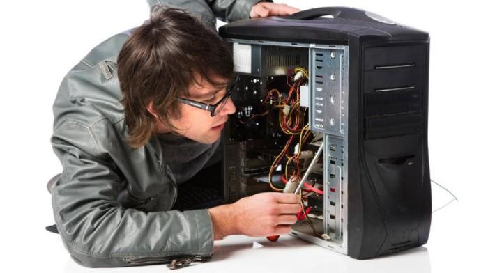 при нажатии на кнопку Power компьютер не включается